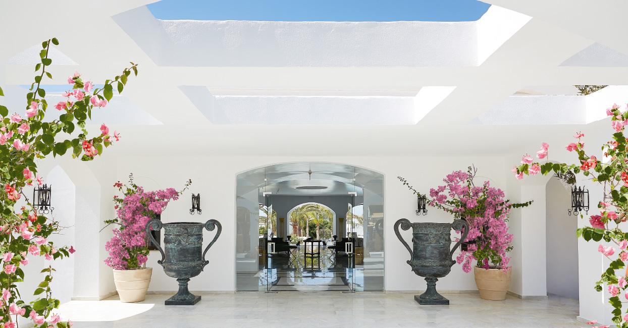 03-caramel-luxury-boutique-resort-pool