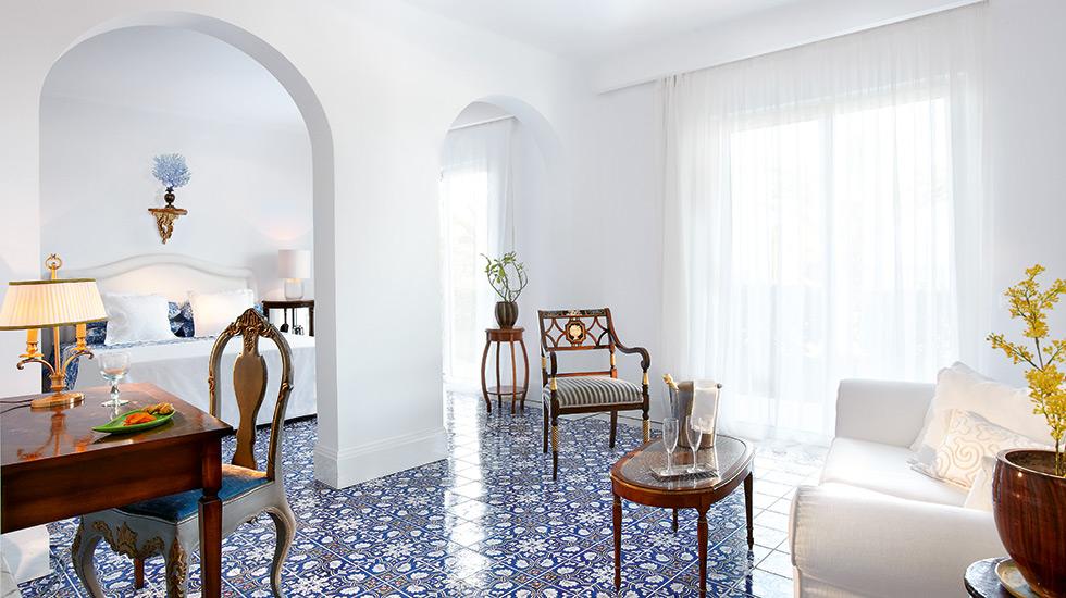 Open Plan Bungalow Suite in Crete