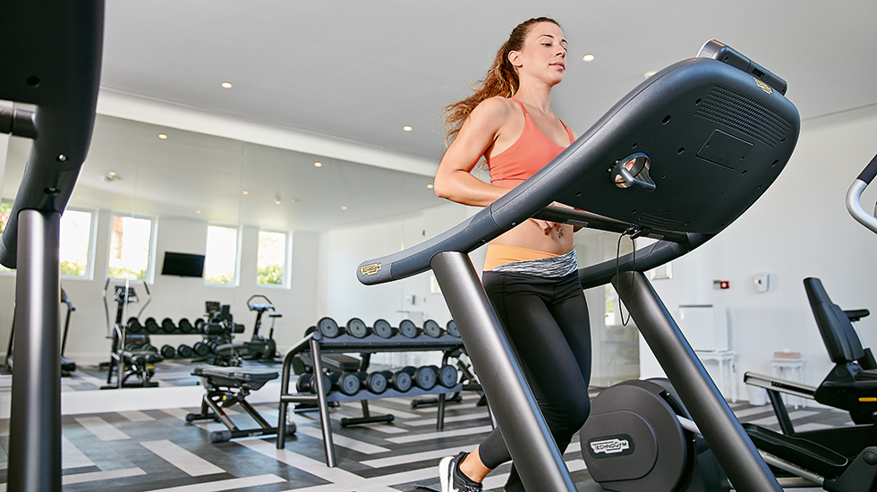 31-Gym-equipped-with-the-latest-Star-Trac-electronic-cardio-fitness-machines