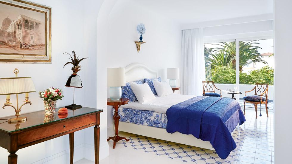 Caramel Junior Suite|Κing-sized bed, antique designer furniture & handmade tiled floors