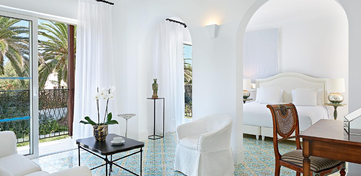 01-open-plan-bungalow-suite-caramel-beach-resort-crete
