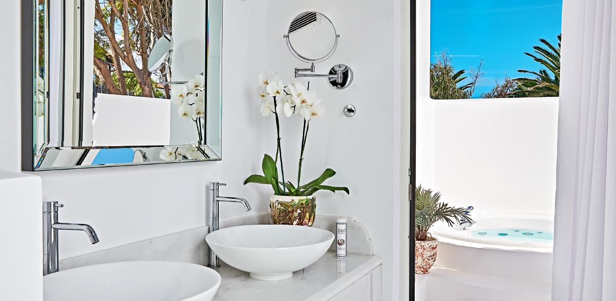 02-open-plan-bungalow-suite-caramel-luxury-beach-resort-crete
