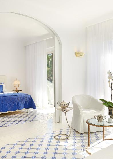 01-family-suite-main-house-caramel-beach-resort