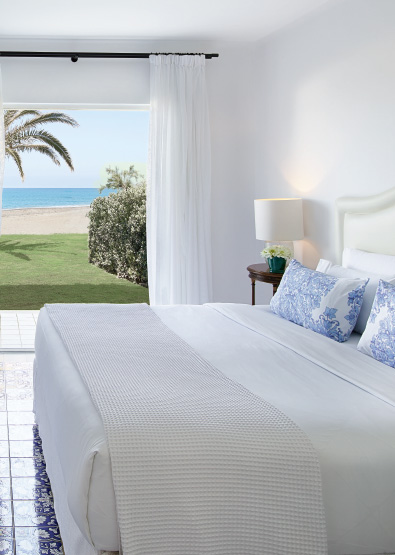 01-caramel-beach-resort-3-bedroom-luxury-villa-with-direct-access-to-the-beach