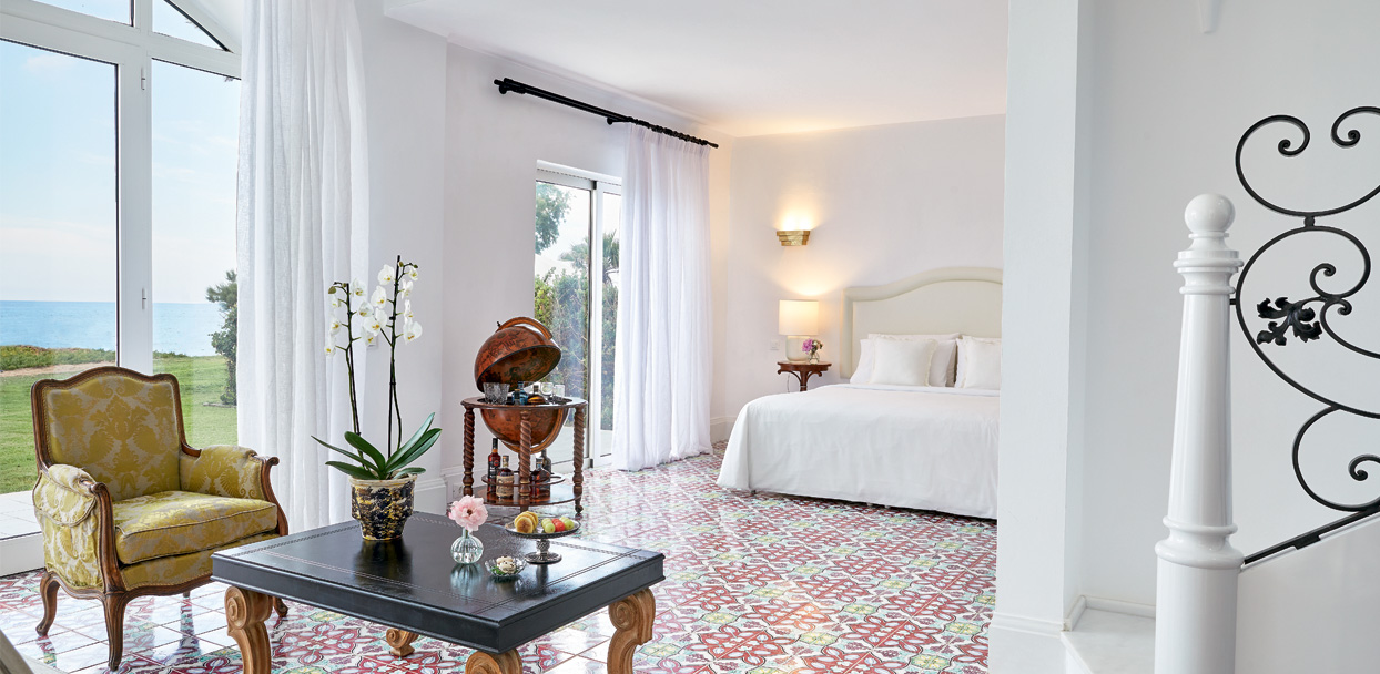 01-caramel-beach-resort-three-bedroom-luxury-villa-with-direct-access-to-the-beach