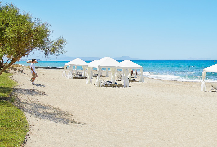 03-caramel-crete-resort-beach-and-services