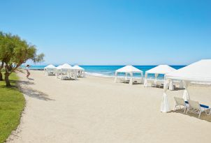 09-beach-services-in-caramel-luxury-resort-in-crete-28429