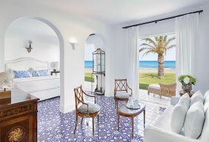 15-caramel-three-bedroom-maisonette-beach-villa-luxury-accommodation-in-greece
