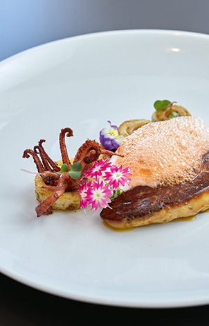 21-gourmet-dishes-in-caramel-boutique-resort