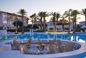 22-gourmet-a-la-carte-restaurant-al-fresco-dining-by-the-pool
