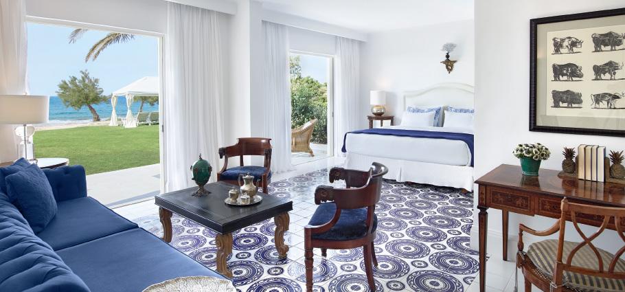 caramel-luxury-accommondation-direct-sea-view