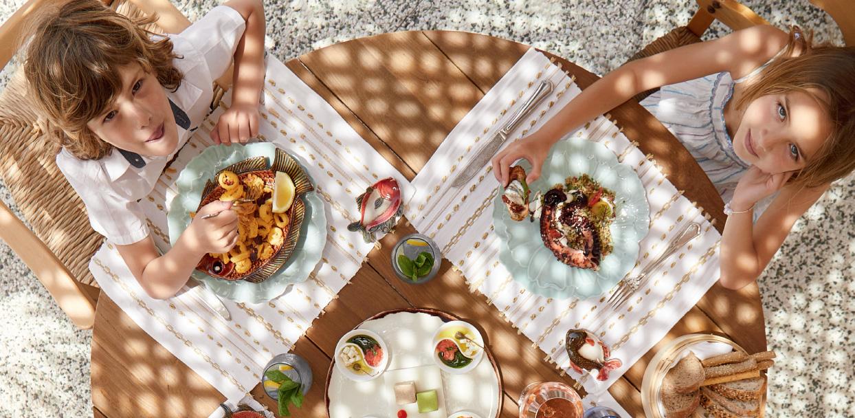 caramel-kids-dining-in-crete-resort