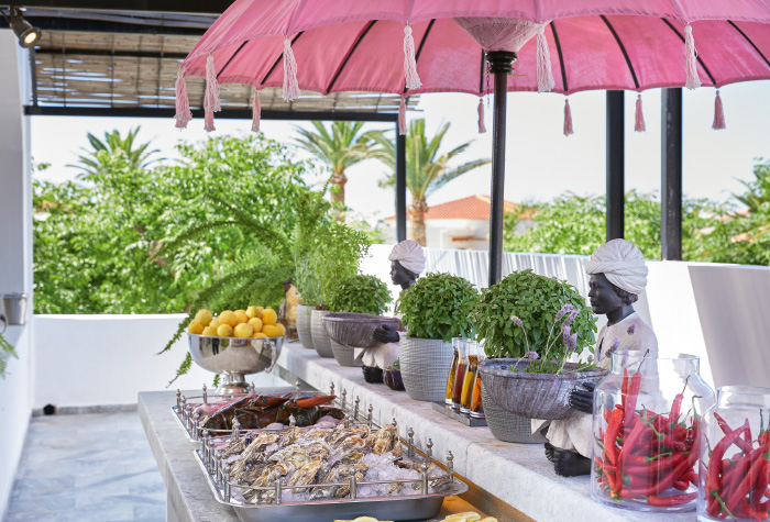 03-al-fresco-seafood-dining-in-grecotel-boutique-resort-caramel-the-resaturant
