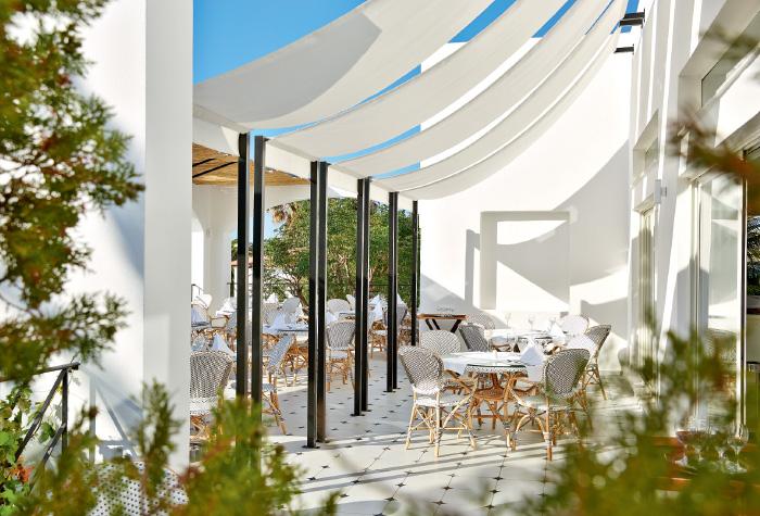 03-gourmet-buffet-restaurant-in-caramel-resort