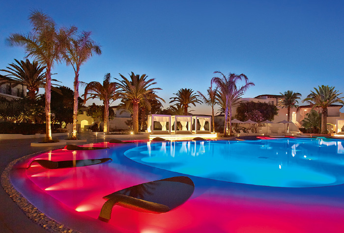 03-evening-lounges-confetti-exotic-pool-grecotel-caramel-boutique-resort-in-greece