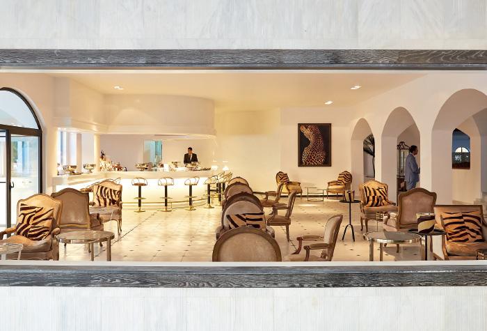 01-panther-piano-bar-caramel-resort