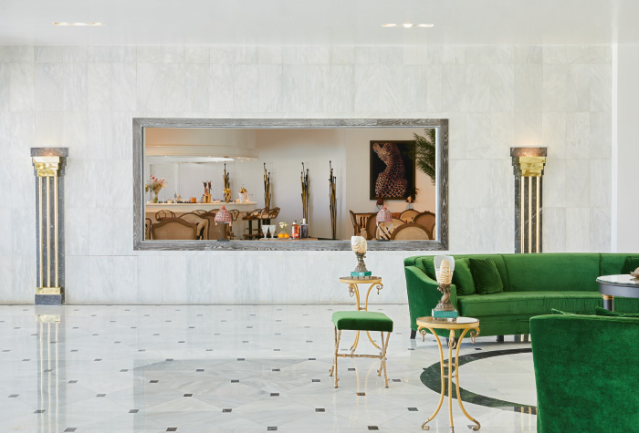 02-luxurious-interior-of-lobby-bar-panther-in-grecotel-caramel-boutique-resort-in-greece
