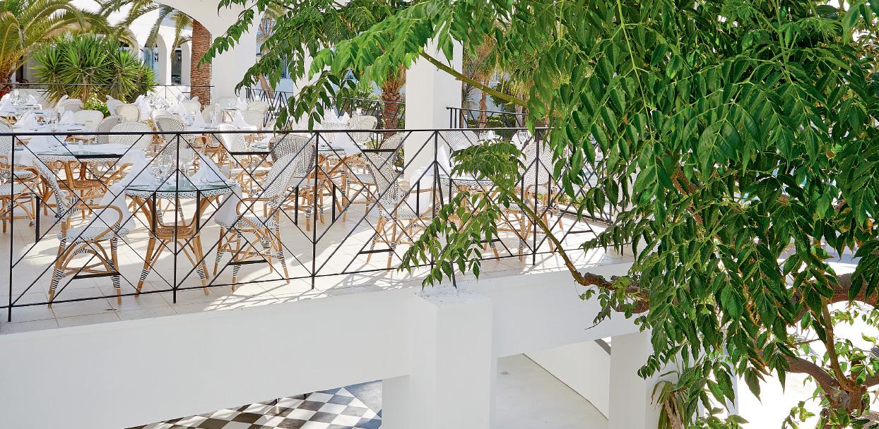 restaurants-bars-in-caramel-crete-resort