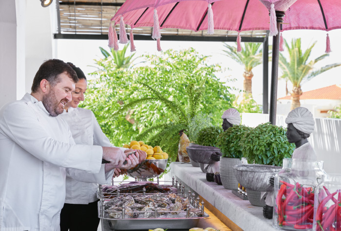 chef-seafood-experts-in-gastronomy-grecotel-caramel-boutique-resort-in-greece